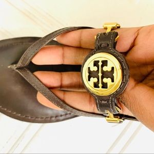 ✨HostPick TORYBURCH logo medallion strappy sandals